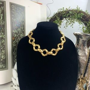 Monet gold tone necklace jewelry